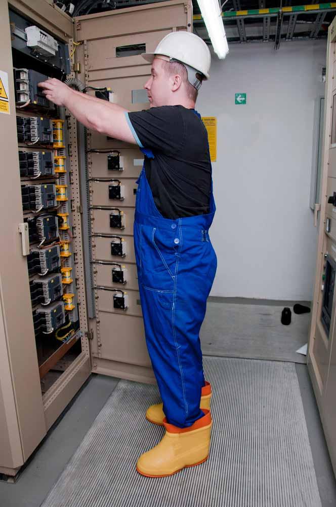 electrician-wearing-wellington-boots